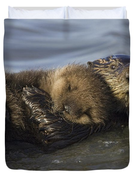 Sea Otter Mother With Pup Monterey Bay Duvet Cover by Suzi Eszterhas