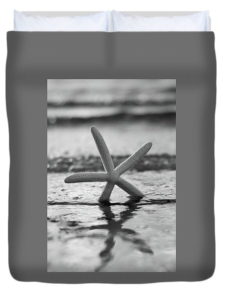 Duvet Cover featuring the photograph Sea Star Bw Vert by Laura Fasulo