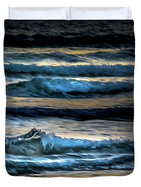 Sea Waves After Sunset Duvet Cover