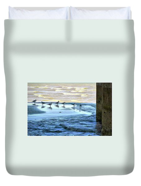 Seagulls At Waters Edge Duvet Cover