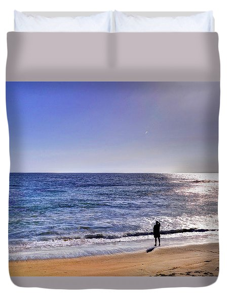 Searching To The Sea Duvet Cover