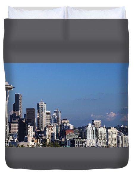 Seattle And Mt Rainier Duvet Cover by Ed Clark