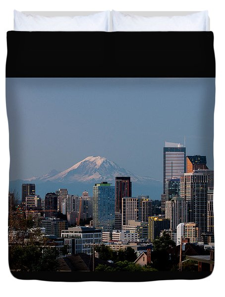 Seattle-mt. Rainier In The Morning Light .1 Duvet Cover