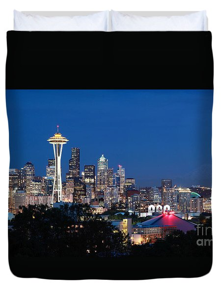 Duvet Cover featuring the photograph Seattle Twight by Peter Simmons