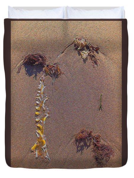Seaweed On Clayhead Beach Duvet Cover