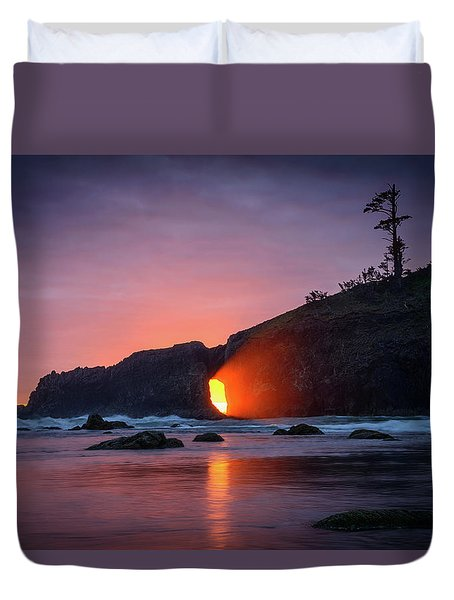 Second Beach Light Shaft Duvet Cover