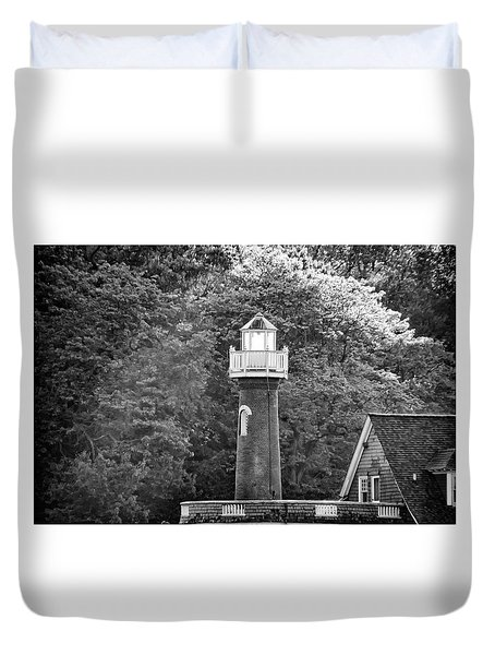 Duvet Cover featuring the photograph Sedgely Club - Turtle Rock Lighthouse by Bill Cannon