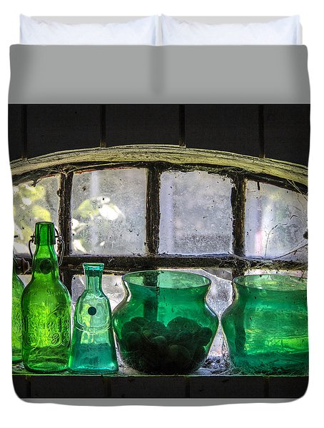 Duvet Cover featuring the photograph Seeing Green by Odd Jeppesen