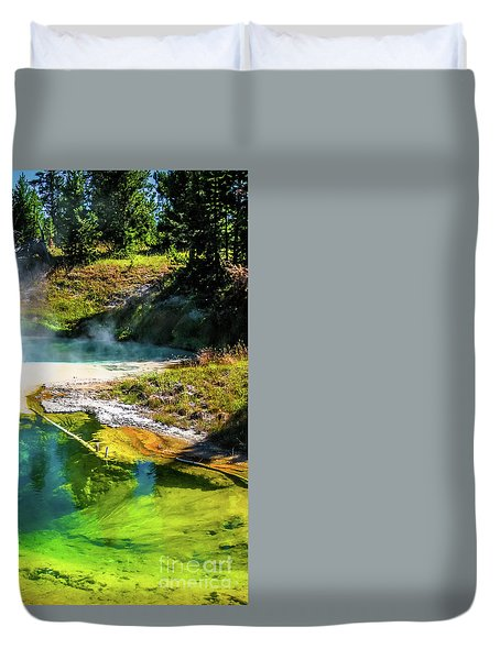 Seismograph Pool In Yellowstone Duvet Cover