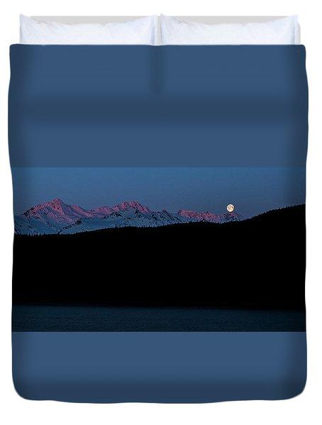 Setting Moon Over Alaskan Peaks II Duvet Cover
