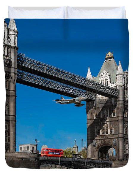 Seven Seconds - The Tower Bridge Hawker Hunter Incident  Duvet Cover