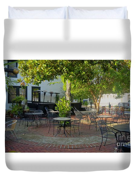 Shady Outdoor Dining Duvet Cover
