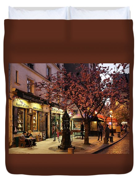 Duvet Cover featuring the photograph Shakespeare Book Shop 2 by Andrew Fare