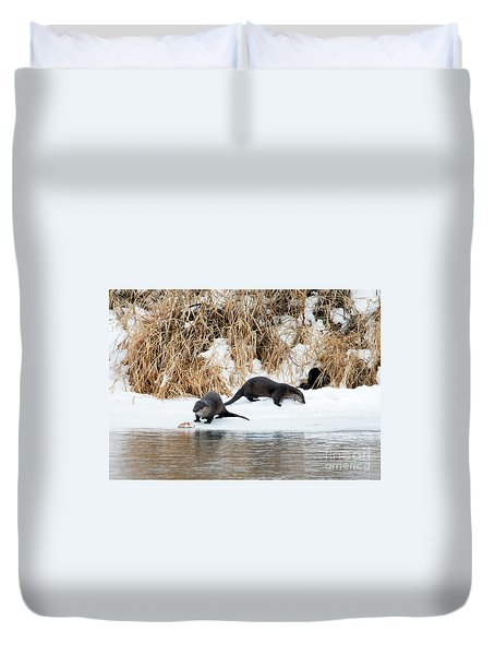 Sharing A Meal Duvet Cover by Mike Dawson