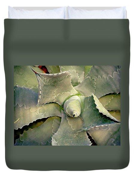 Sharp Embrace 8 Duvet Cover