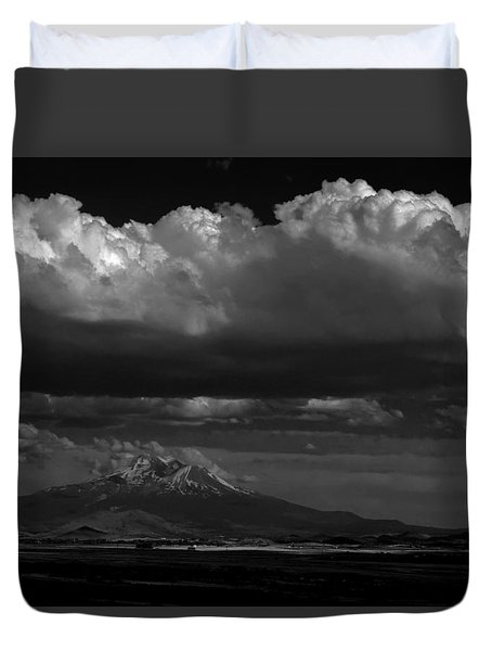Shasta On July 17 Duvet Cover