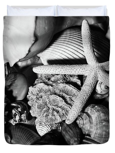 Duvet Cover featuring the photograph Shells And Starfish In Black And White by Angie Tirado