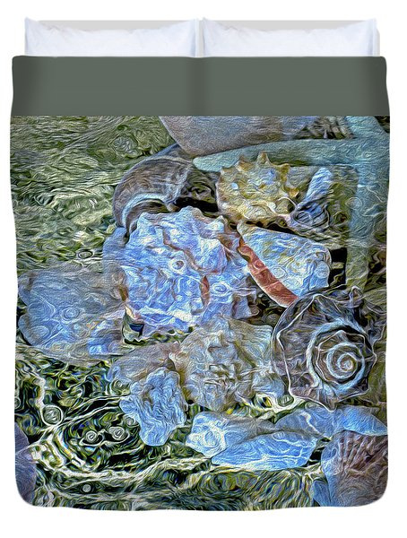 Shells Underwater 20 Duvet Cover by Lynda Lehmann