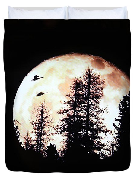 Silhouettes Om Full Moon Duvet Cover