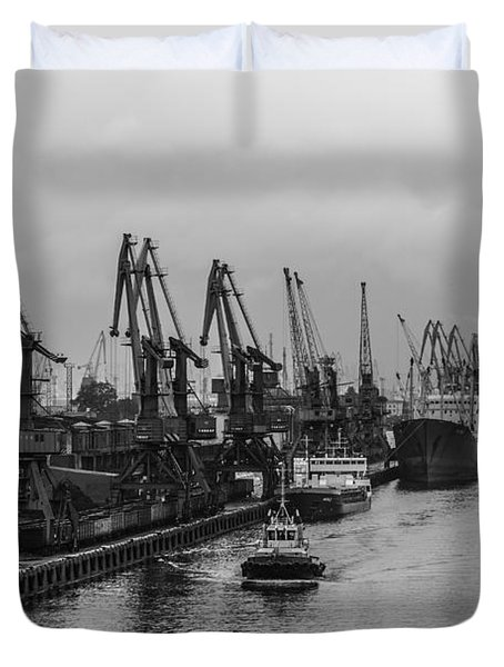 Shipping On The River Neva Duvet Cover