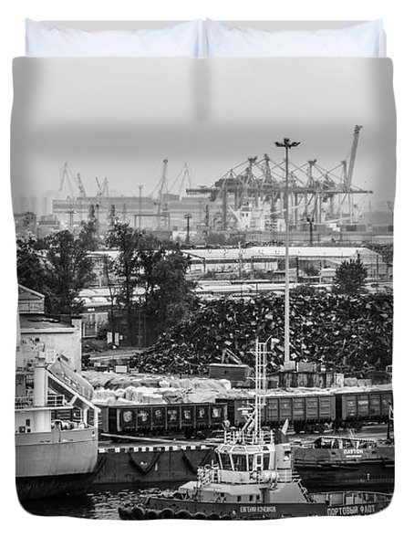 Shipping On The River Neva Russia 2 Duvet Cover