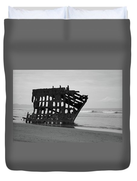 Shipwreck On The Shore Duvet Cover