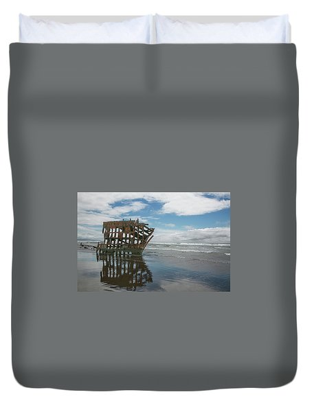Duvet Cover featuring the photograph Shipwreck by Elvira Butler