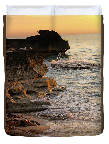 Shoreline In Bimini Duvet Cover
