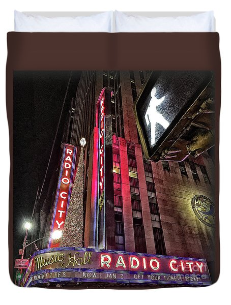 Duvet Cover featuring the photograph Sights In New York City - Radio City by Walt Foegelle