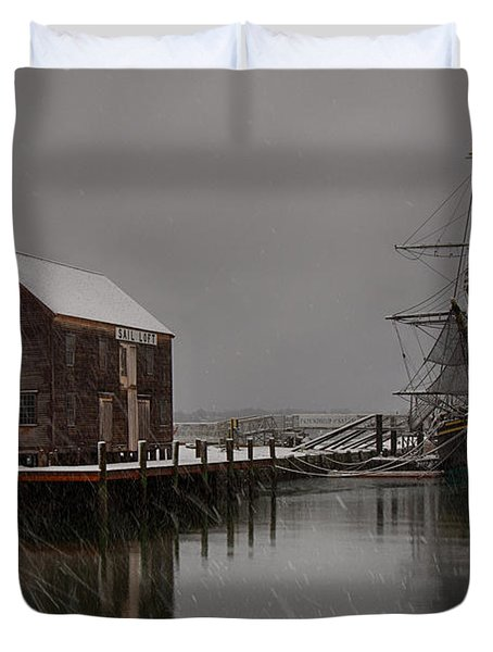 Silently The Snow Falls. Duvet Cover