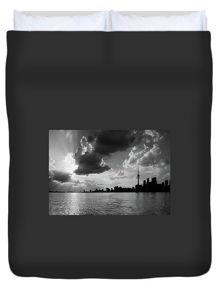 Silhouette Cn Tower Duvet Cover