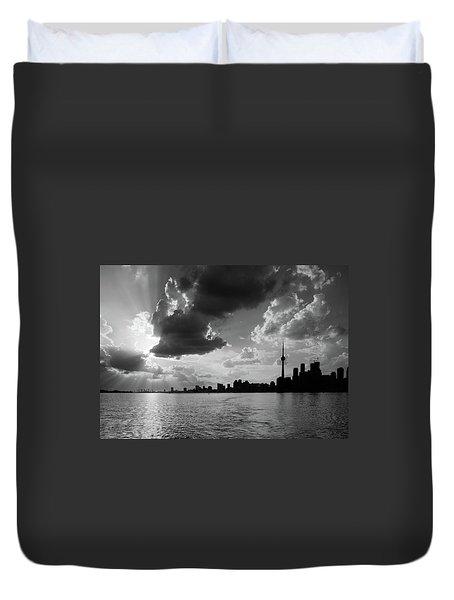 Silhouette Cn Tower Duvet Cover