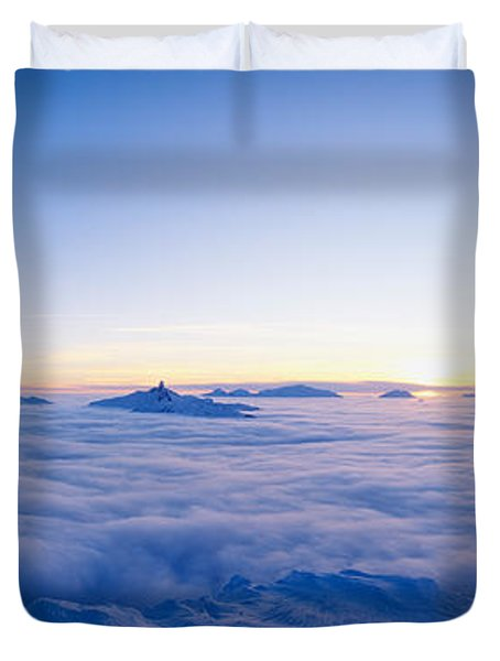 Silhouette Of Two Hikers Standing Duvet Cover