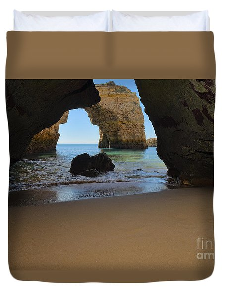 Silky Sands And Arch Duvet Cover