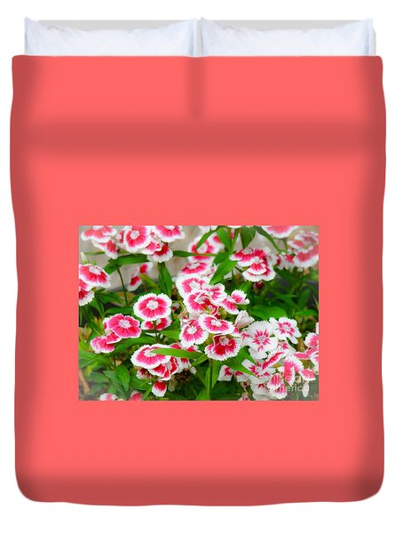 Duvet Cover featuring the photograph Simply Flowers by Rand Herron