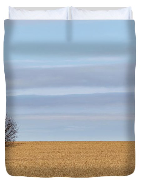 Single Tree In Large Field With Cloudy Skies Duvet Cover