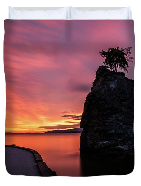 Siwash Rock Along The Sea Wall Duvet Cover