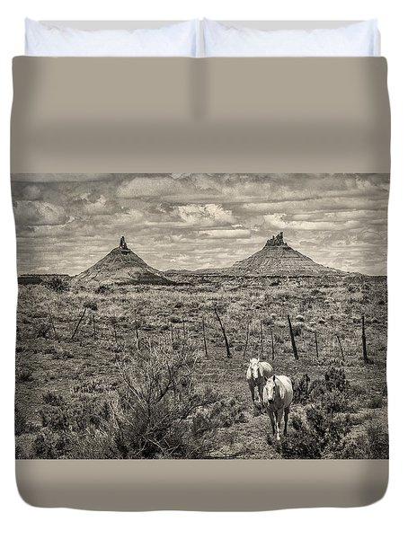 Six-shooter Peaks Duvet Cover