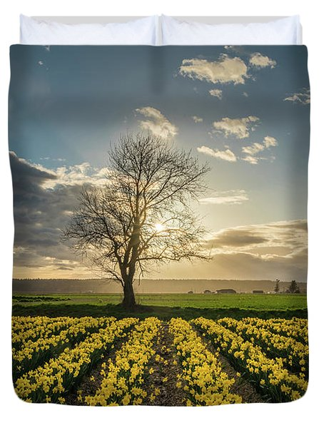 Duvet Cover featuring the photograph Skagit Daffodils Lone Tree  by Mike Reid