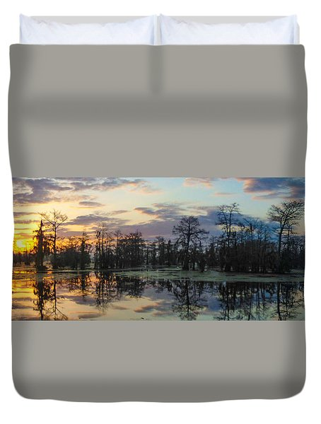 Skies Across The North End Duvet Cover