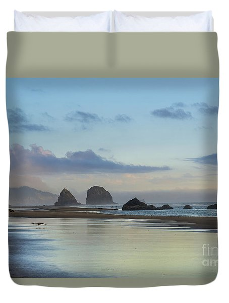 Skimming Along The Beach At Sunset Duvet Cover