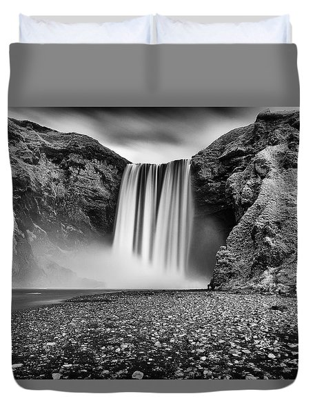 Duvet Cover featuring the photograph Skogafoss by James Billings