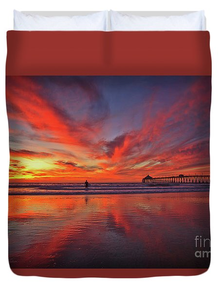 Sky On Fire At The Imperial Beach Pier Duvet Cover