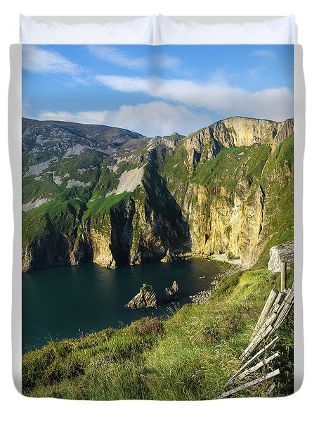 Duvet Cover featuring the photograph Slieve League Cliffs Eastern End by RicardMN Photography