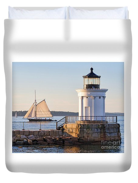 Duvet Cover featuring the photograph Sloop And Lighthouse, South Portland, Maine  -56170 by John Bald