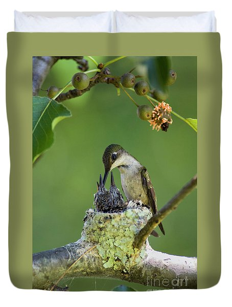 Duvet Cover featuring the photograph Small Family - D009336 by Daniel Dempster