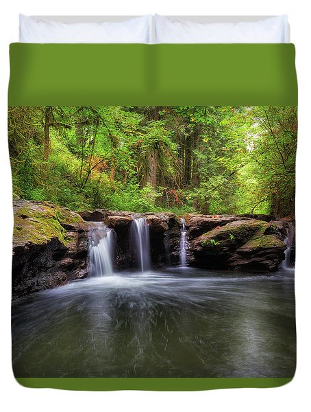 Small Waterfall At Rock Creek Duvet Cover by David Gn