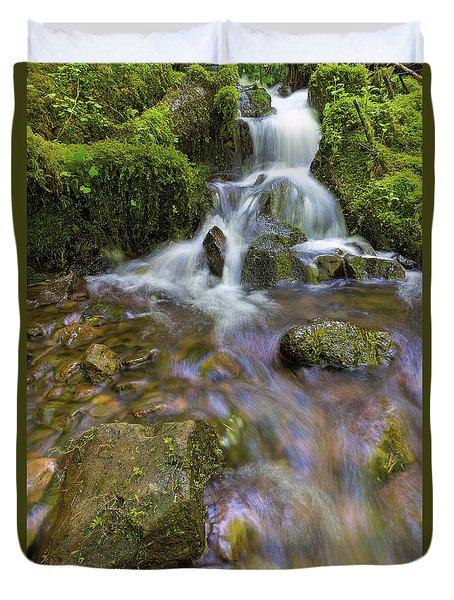 Small Waterfalls Along Wahkeena Creek Duvet Cover