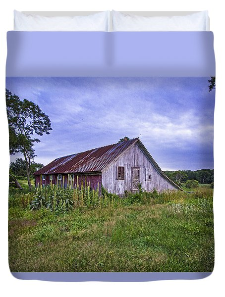 Smith Farm Barn Duvet Cover