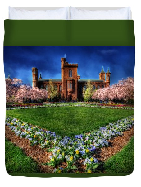 Spring Blooms In The Smithsonian Castle Garden Duvet Cover by Shelley Neff